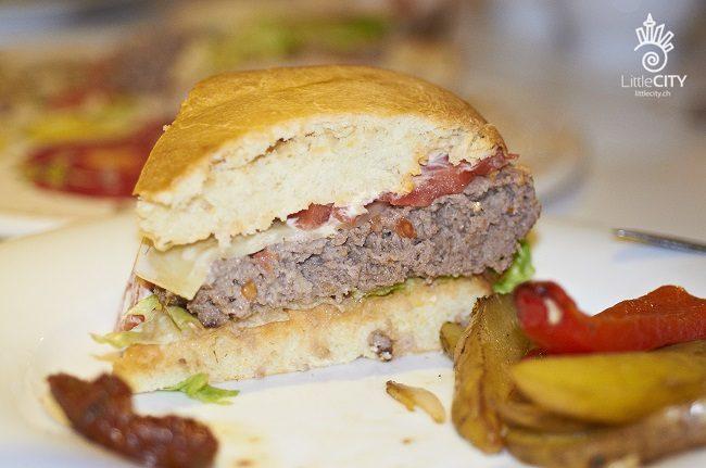 Hamburger mit Hamburger Brötchen Rezept