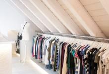 Offener kleiderschrank stange  Unser Begehbarer Kleiderschrank mit XL Kleiderstange ⋆ Travel ...