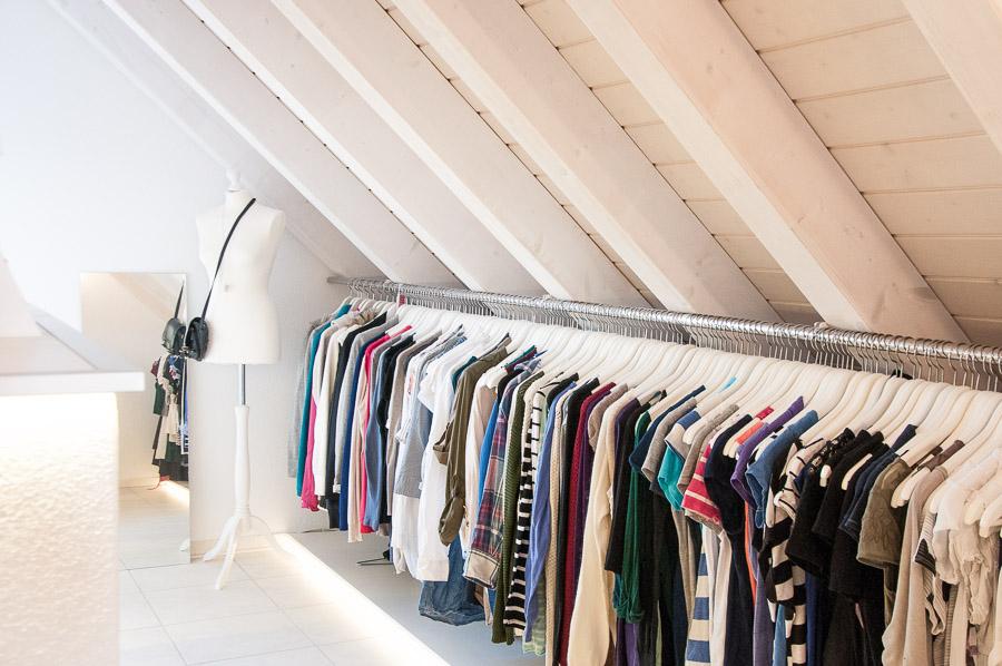 Begehbarer kleiderschrank dachschräge ikea  Unser Begehbarer Kleiderschrank mit XL Kleiderstange ⋆ Travel ...