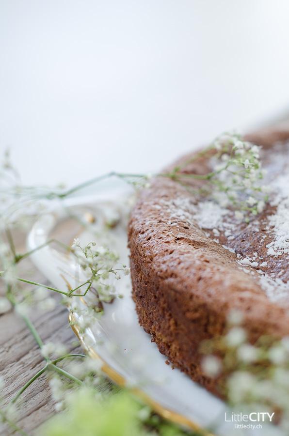 glutenfreier schokoladenkuchen mit fl ssigem kern. Black Bedroom Furniture Sets. Home Design Ideas