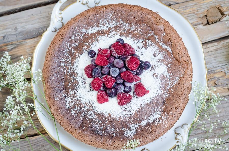 Glutenfreier Schokoladenkuchen mit flüssigem Kern