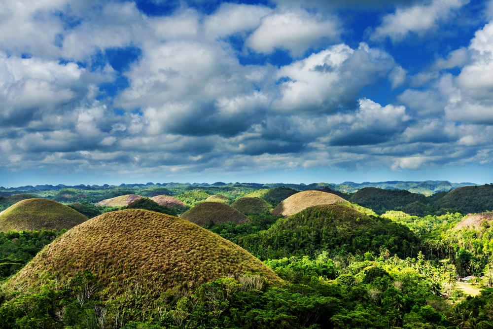 Bohol-Chocolate-Hills-Carmen-adi