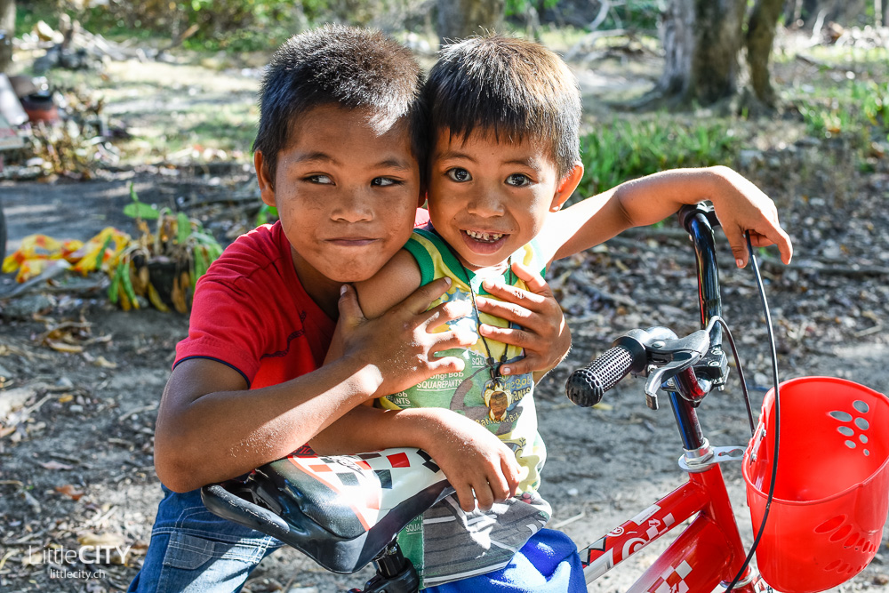 Balicasag Island Bohol Kinder
