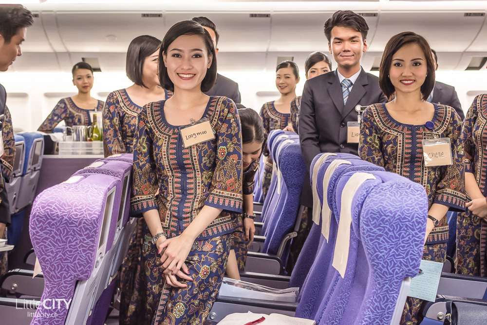 Singapore Airlines Girls Flight Crew