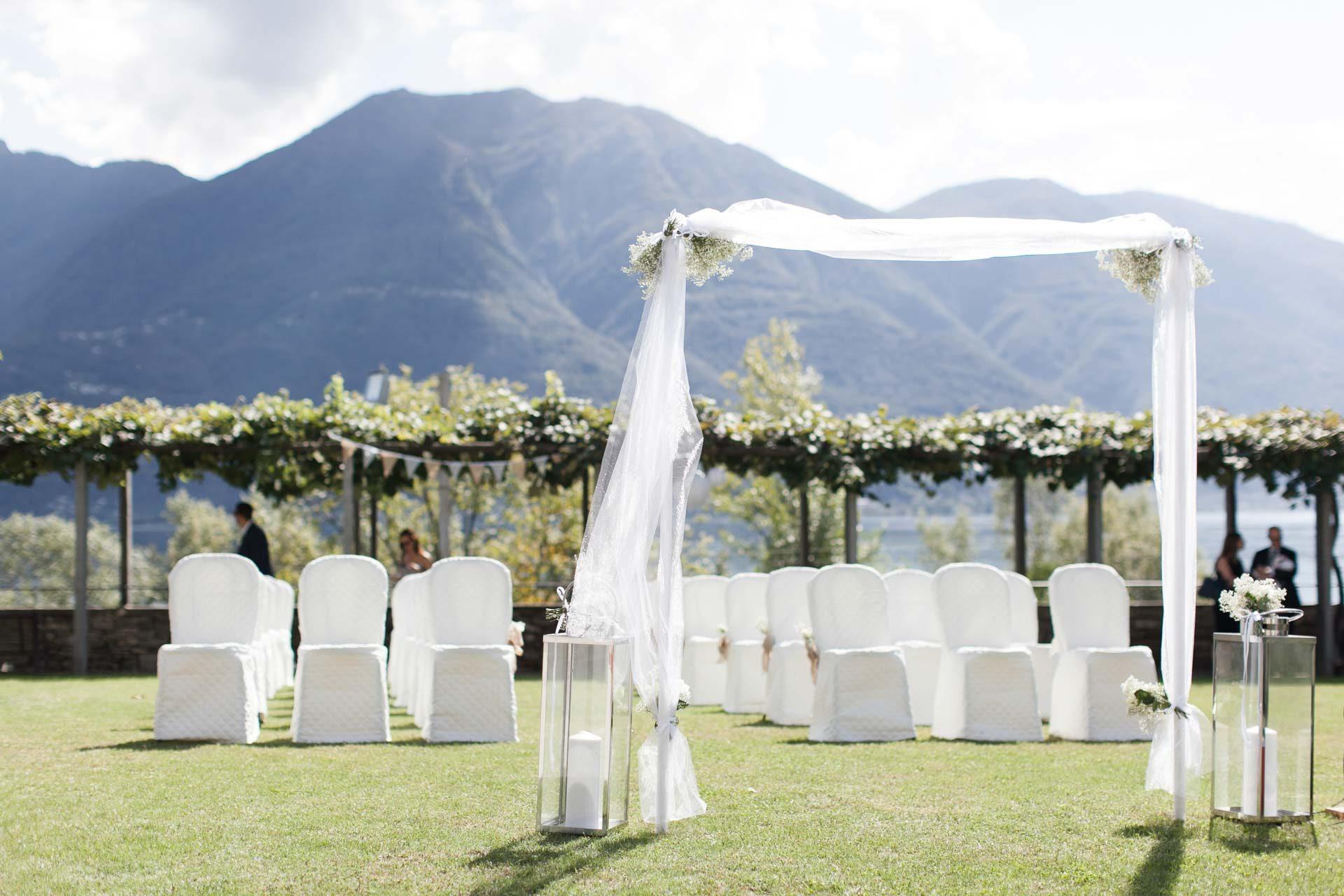 Hochzeit Trauung im FreienVilla San Quirico BHLDN Penelope-053