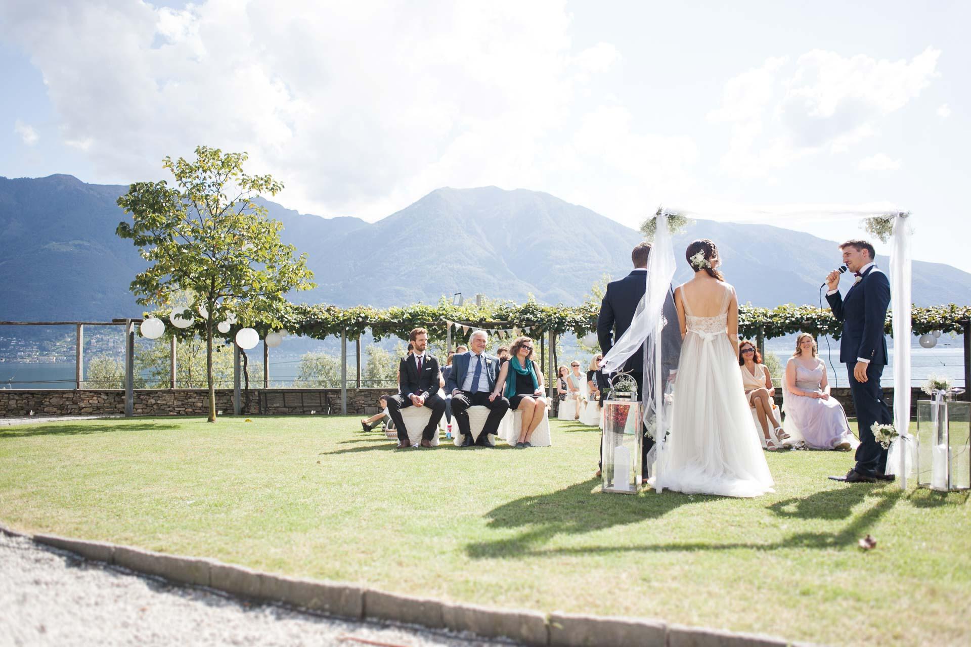 Hochzeit im Freien Villa San Quirico BHLDN Penelope
