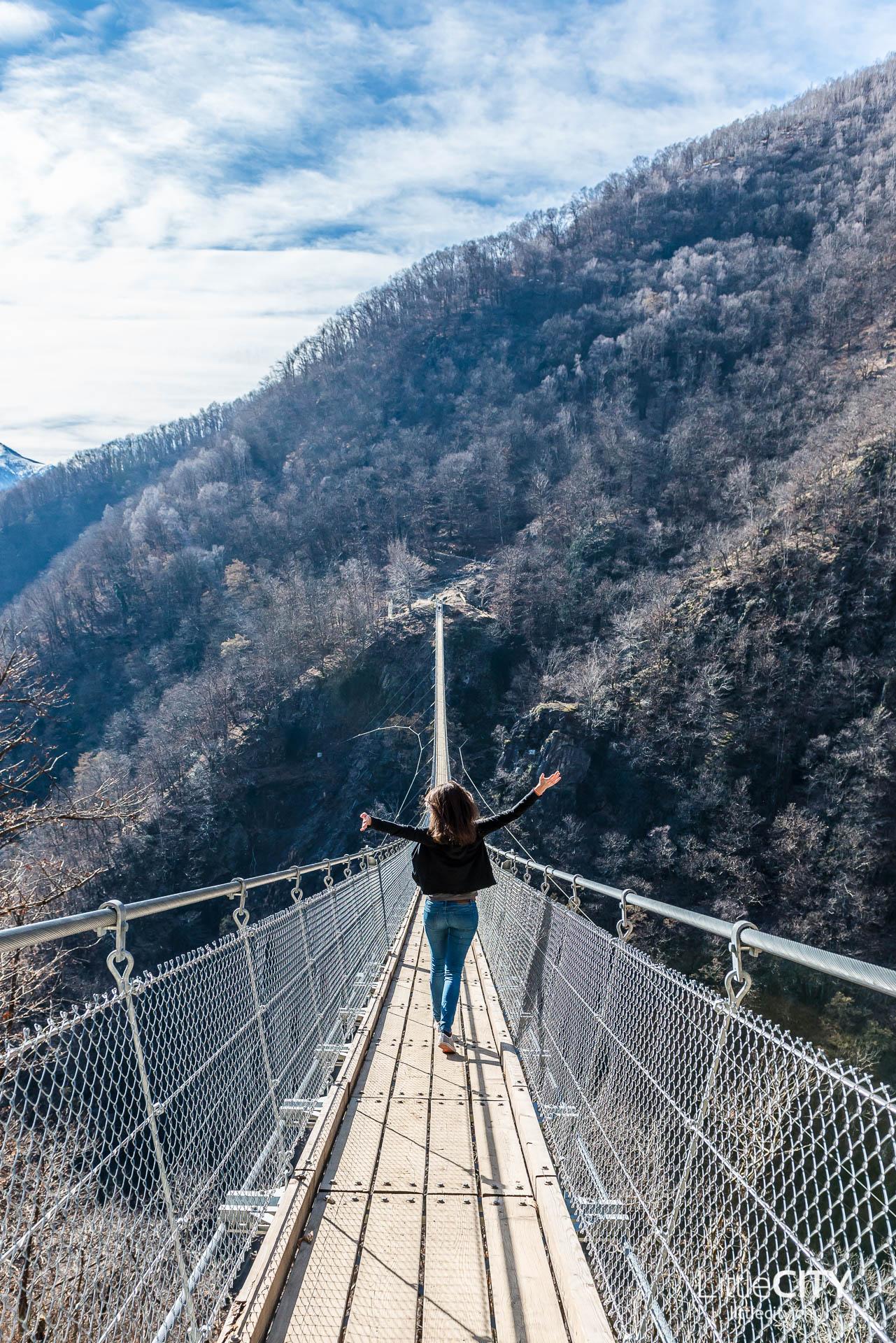 Tessin Sehenswürdigkeiten Curzut Tibetische Brücke Tessin