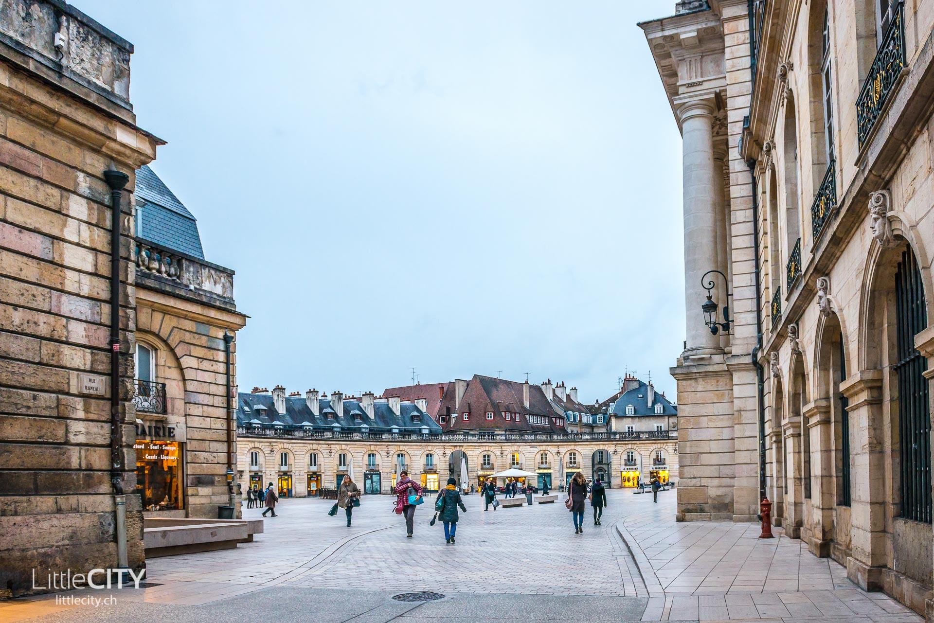 Dijon Sehenswürdigkeiten Place de la Libération