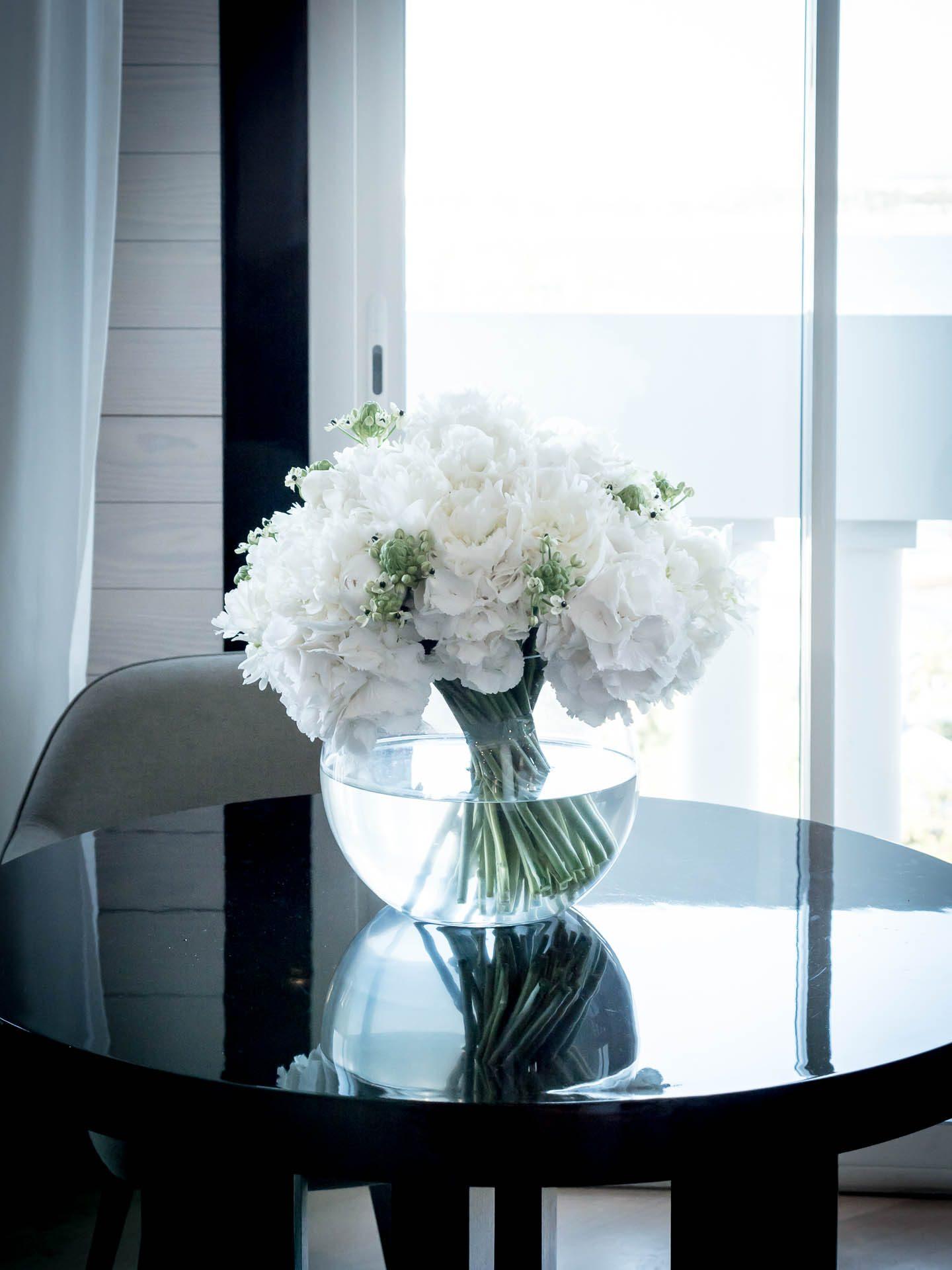 Cannes Hotel Majestic Kering Suite Blumen-1