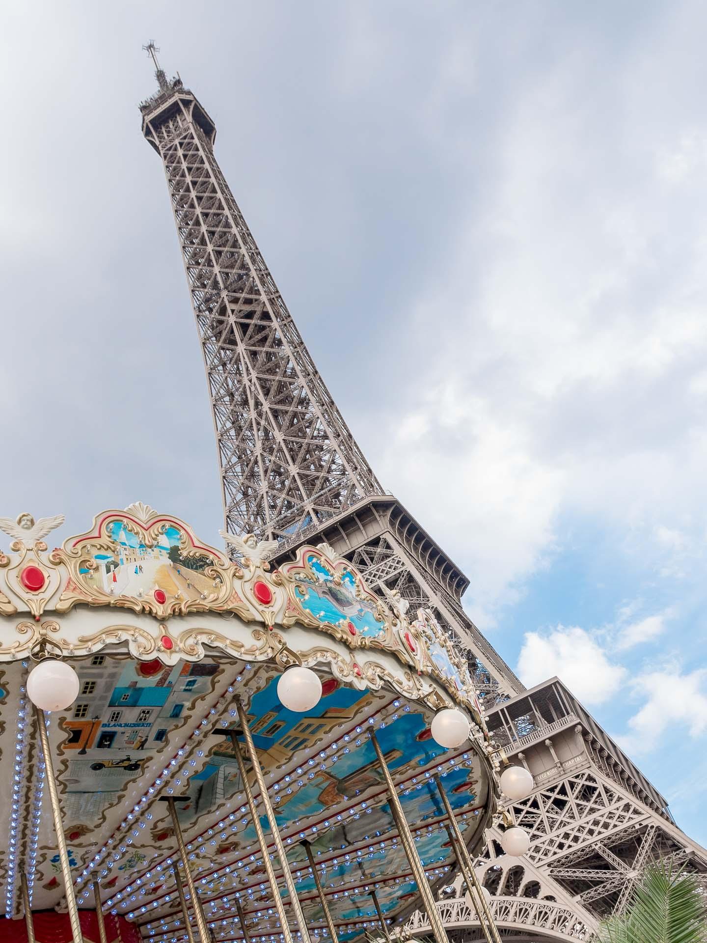 Paris Reisetipps: Eiffelturm & Karussel