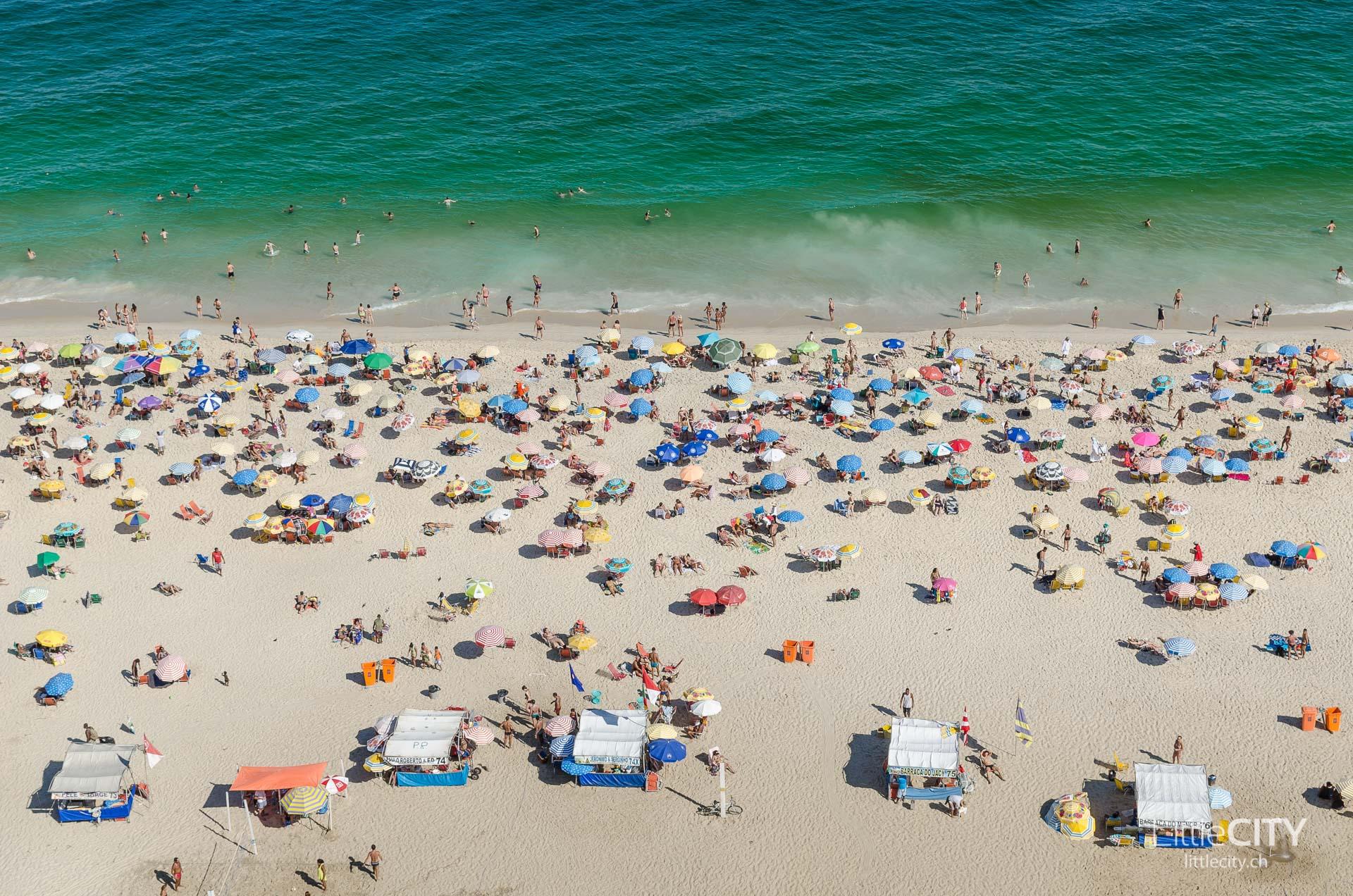 Ipanema Beach Crowded Rio de Janeiro