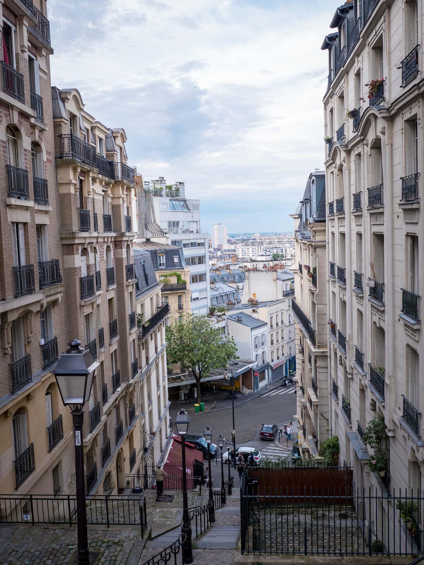Paris Montmartre Gasse Sehenswürdigkeit