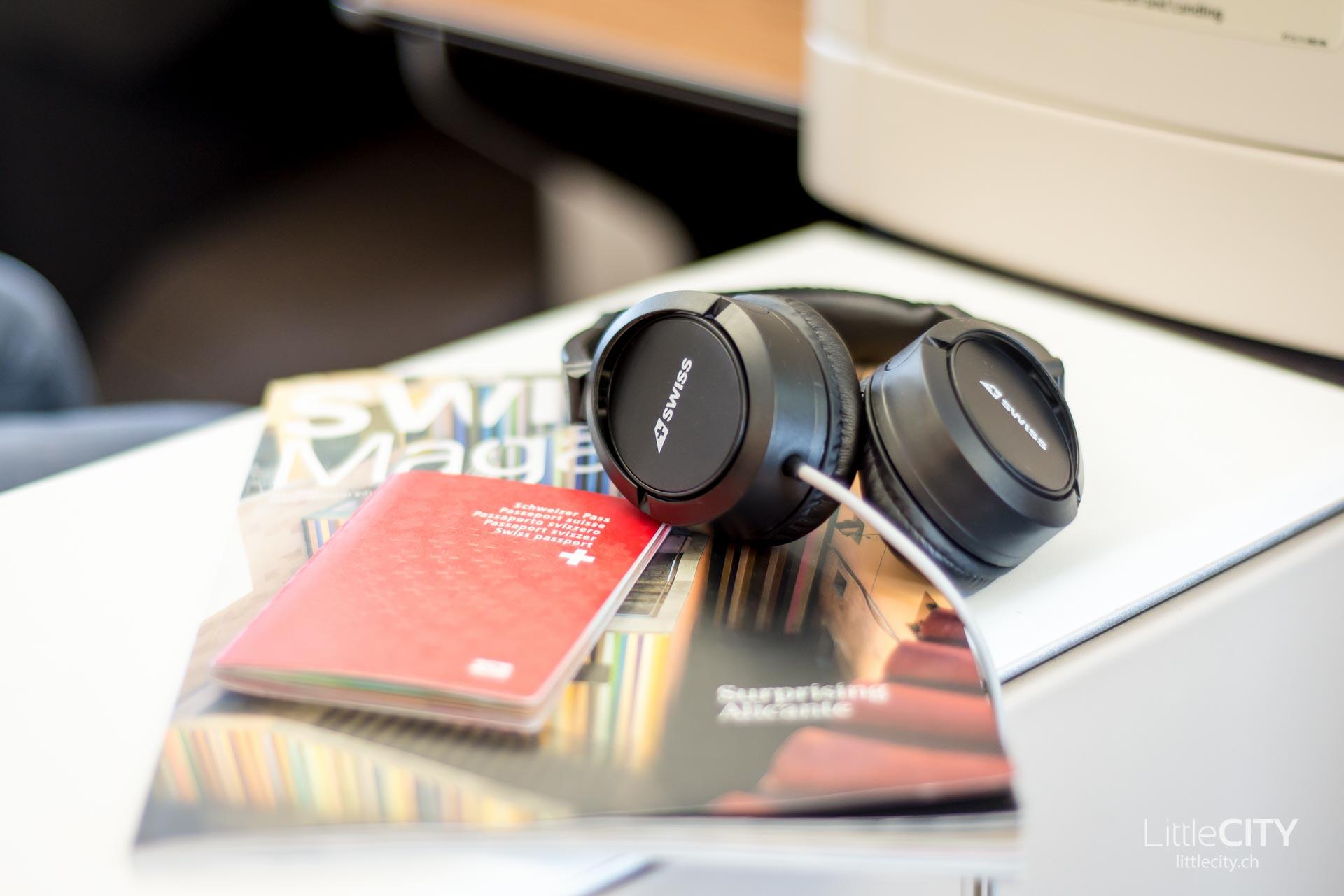 Swiss 777 Business Kopfhörer Magazin-1