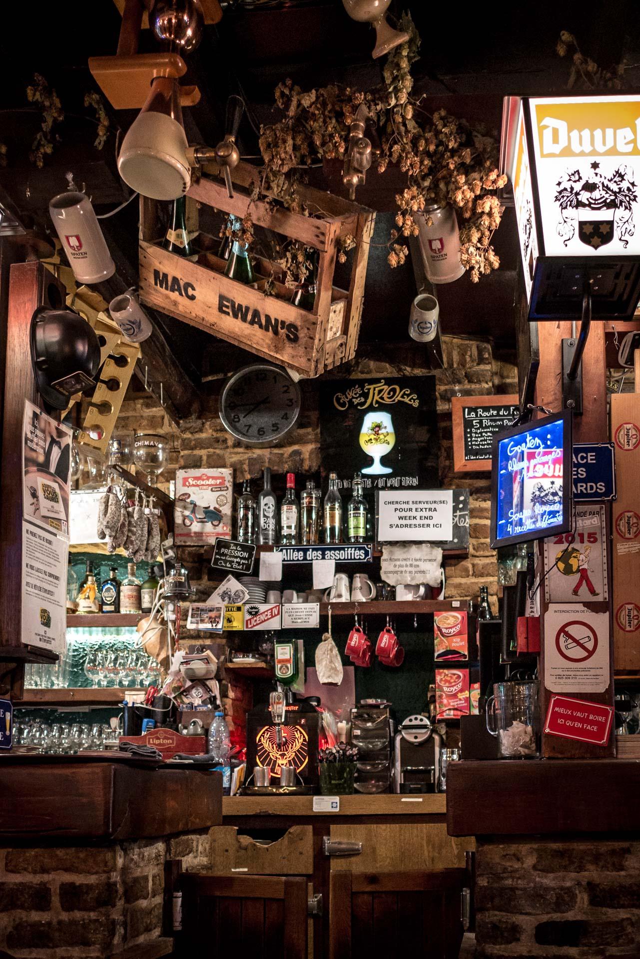 Lens Mac Evans Pub - Sport Bar-1
