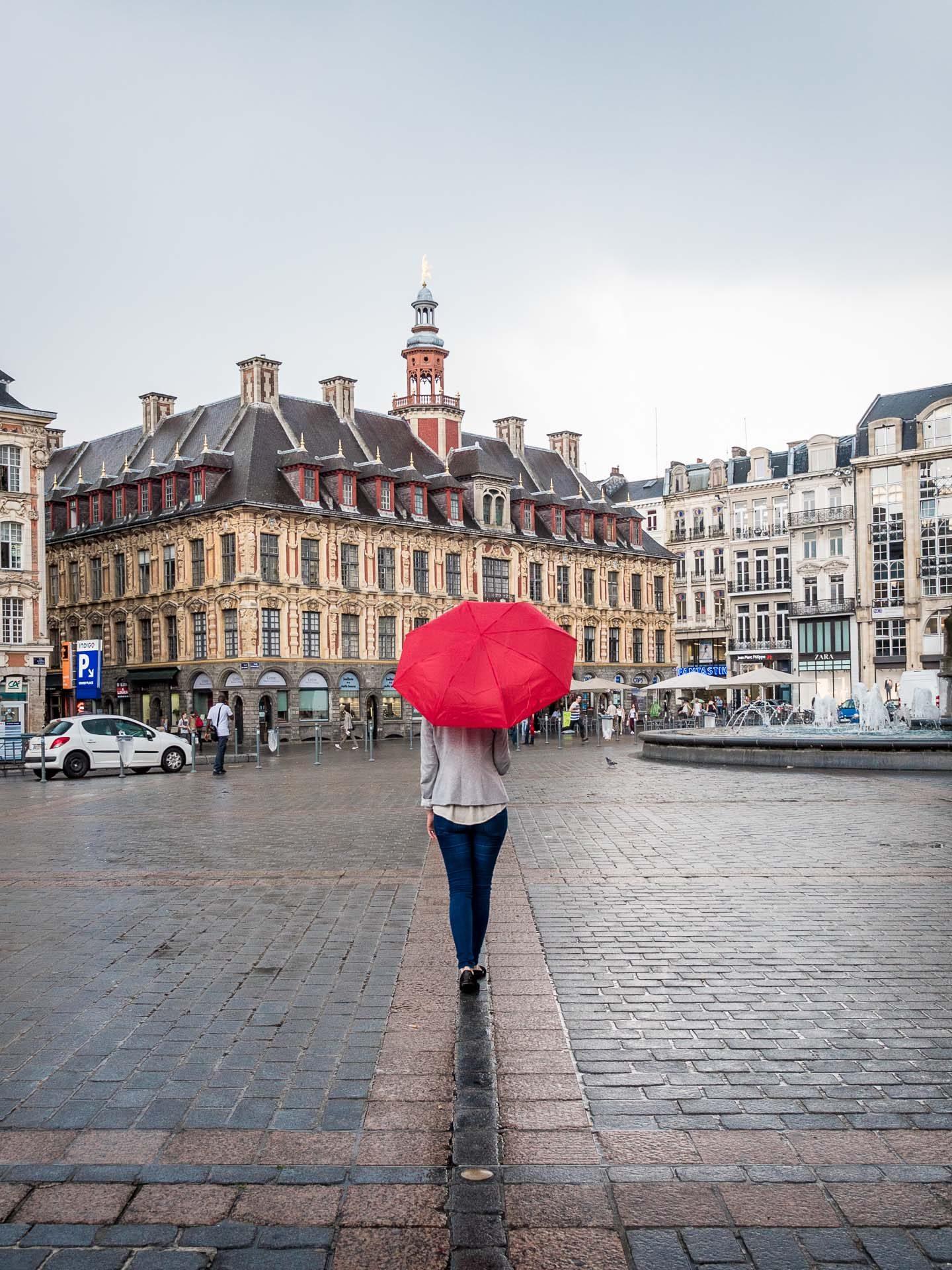 Lille Reisetipps Grand Place Regenschirm