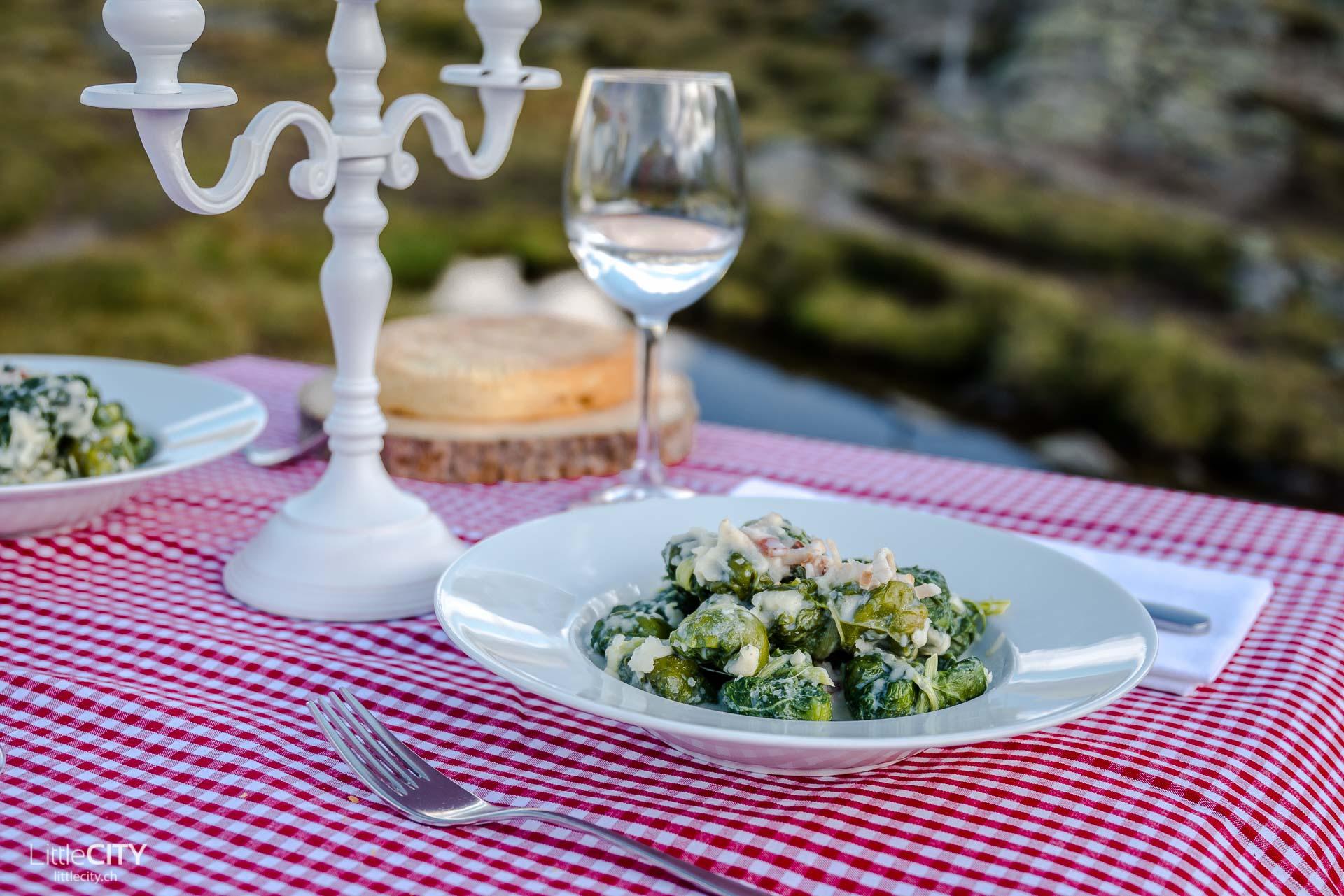 rheinquelle-tomasee-spektakulaerstes-dinner