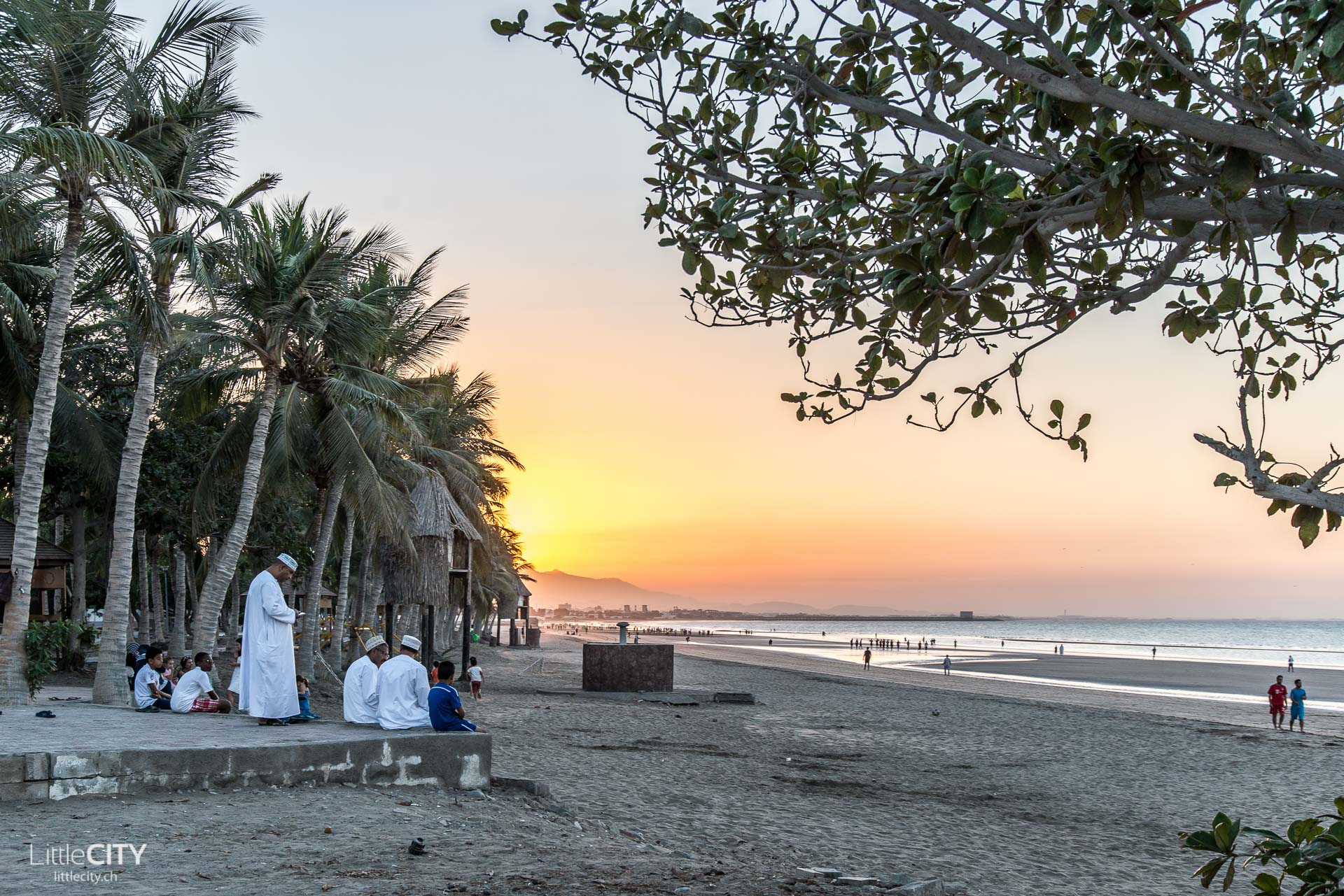 maskat-oman-al-qurum-beach-sonnenuntergang-2