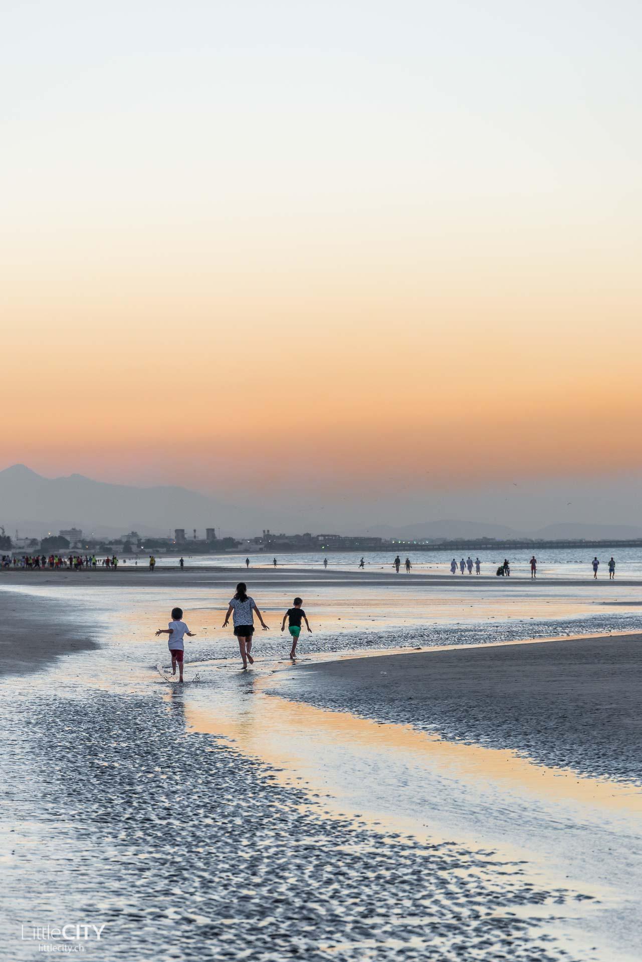 maskat-oman-al-qurum-beach-sunset