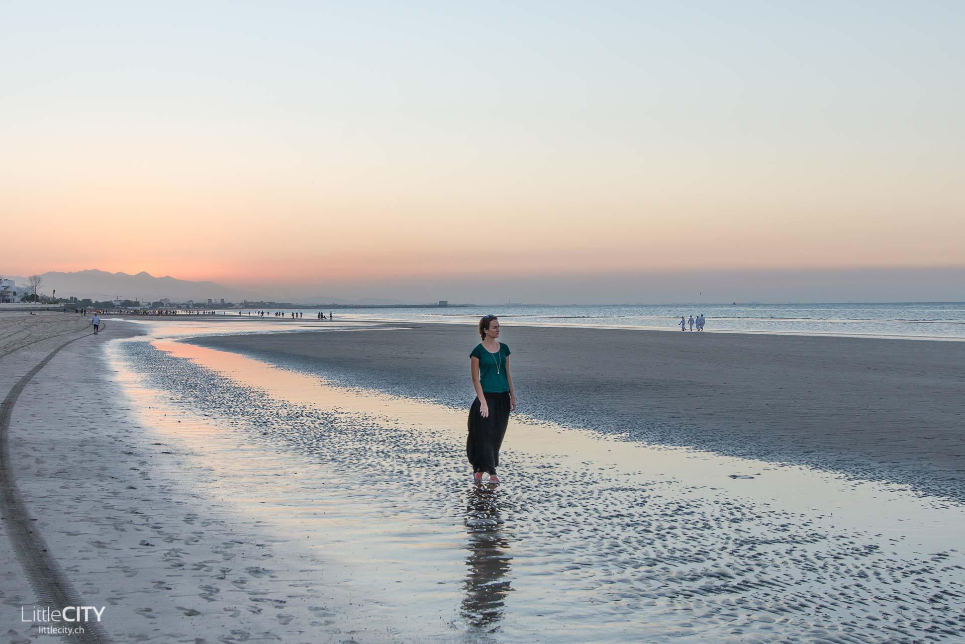 maskat-oman-al-qurum-beach-valeria