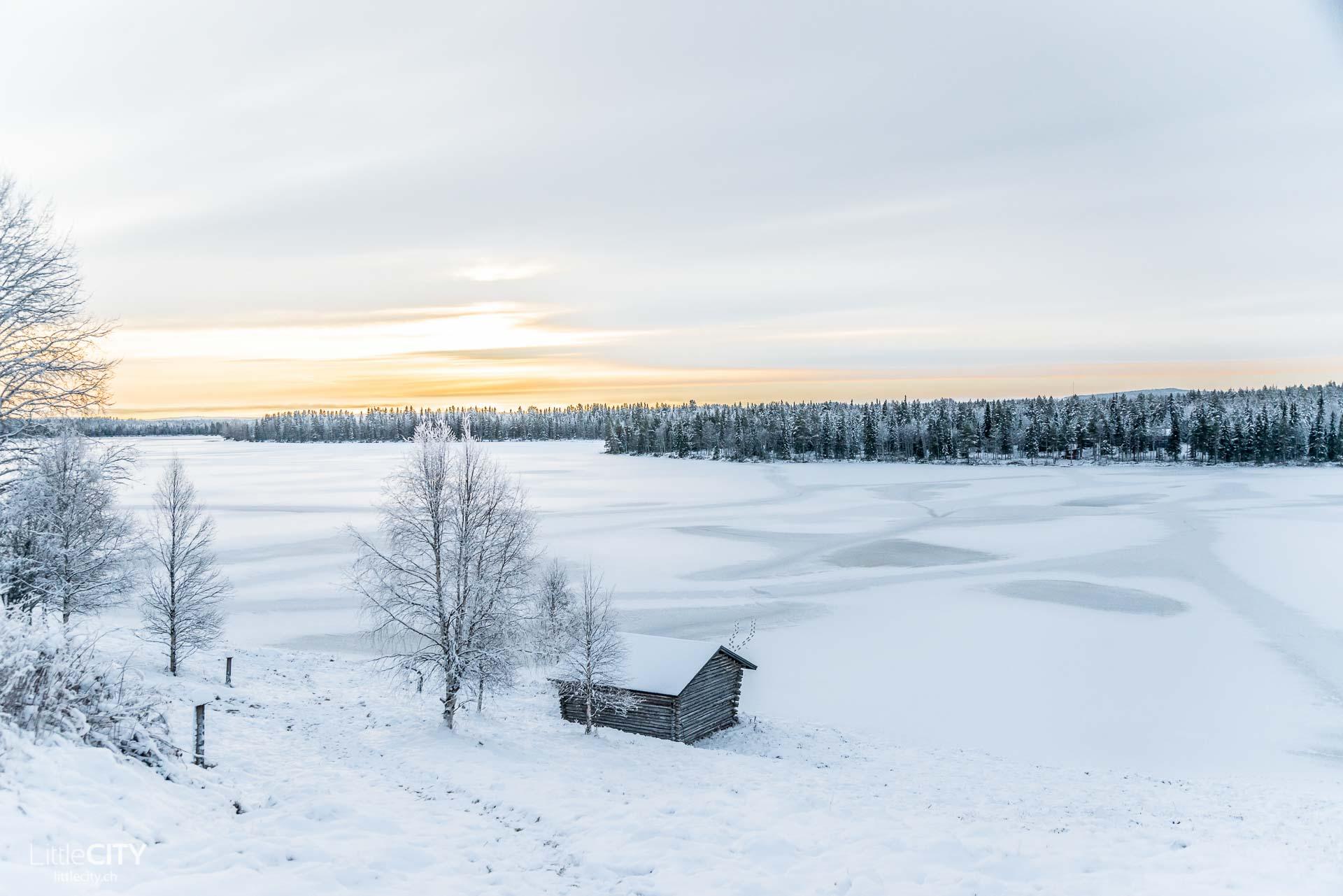 Ruka Kusamo See im Lappland, Finnland