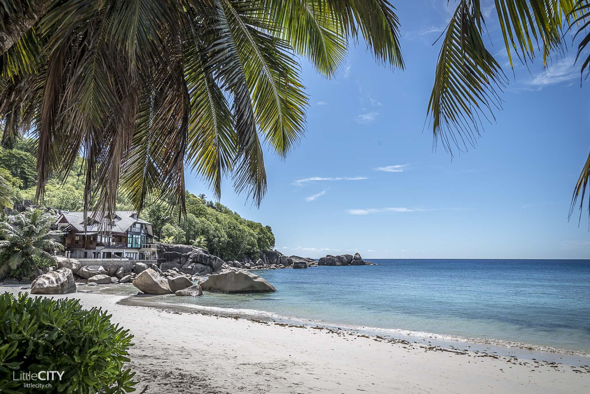 seychellen-mahe-beach