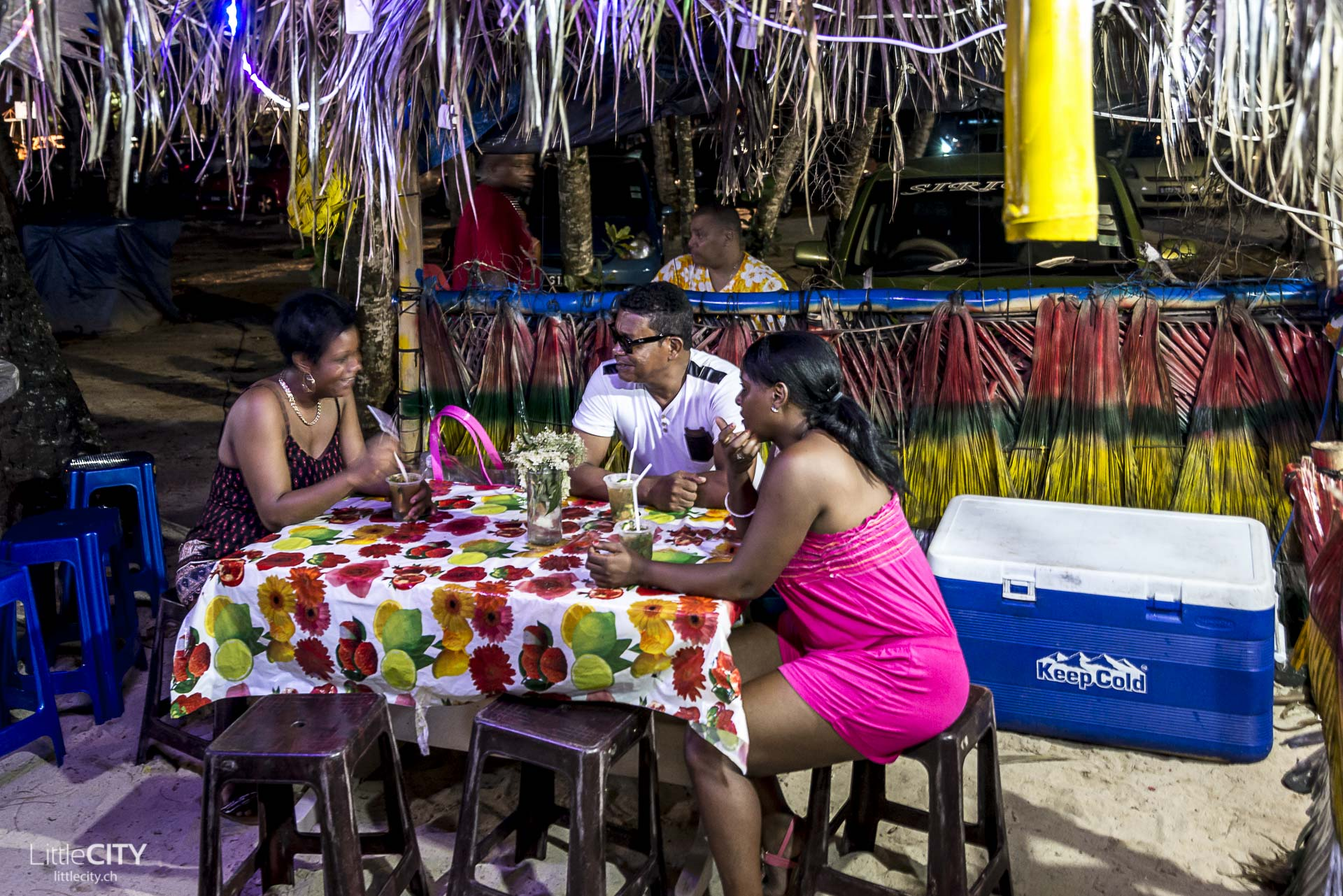 Beau Vallon Bazar Labrin Mittwoch Food Markt Seychellen