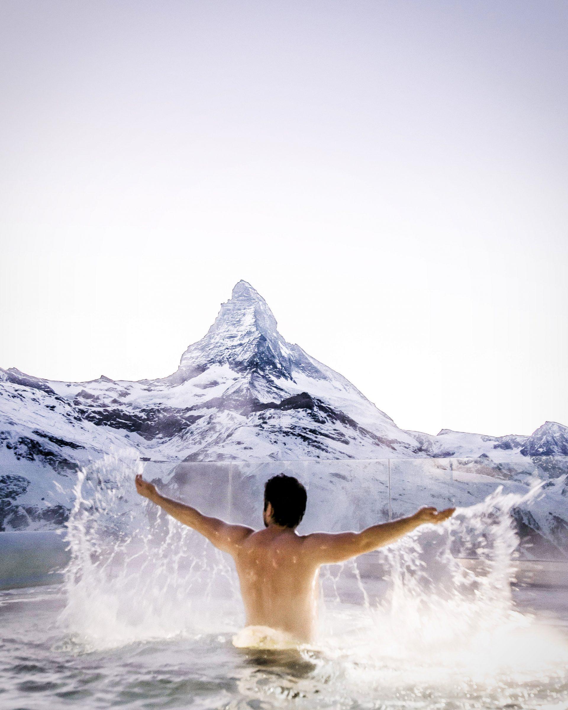 Riffelalp Resort Zermatt SPA mit Sicht aufs Matterhorn