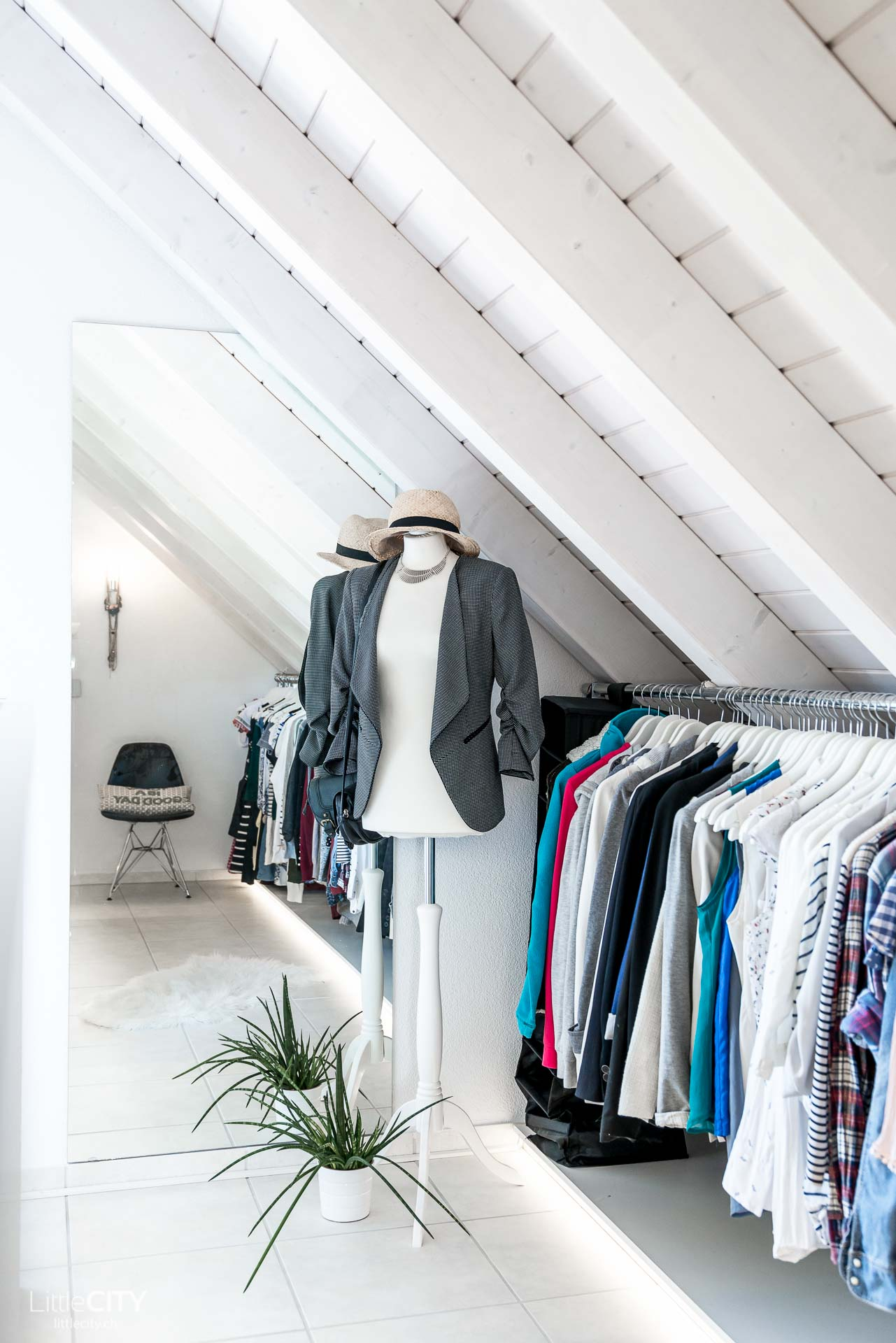 Selbst gebauter begehbarer Kleiderschrank