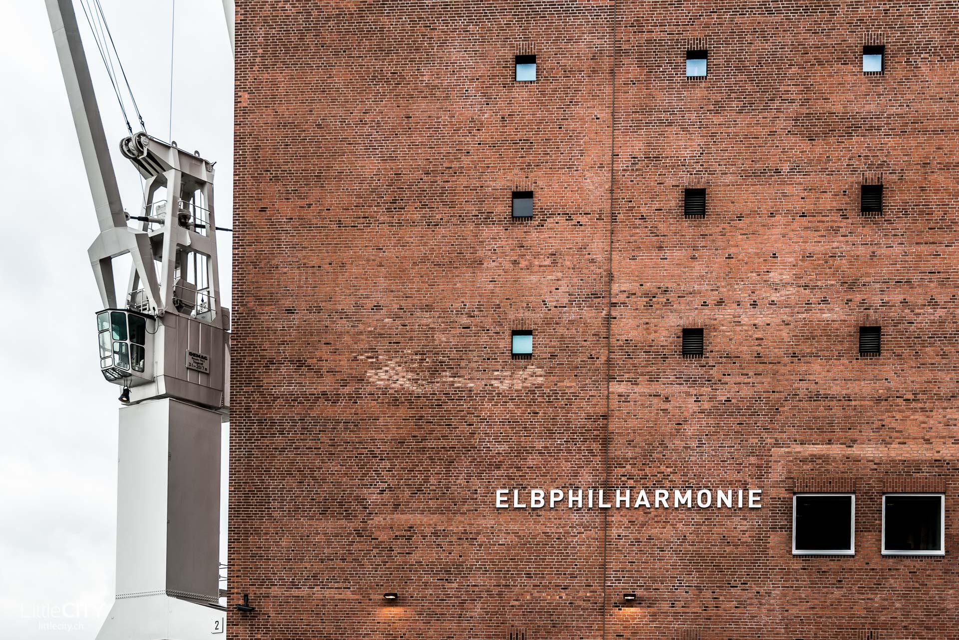 mein besuch in der unfassbaren elbphilharmonie in hamburg. Black Bedroom Furniture Sets. Home Design Ideas