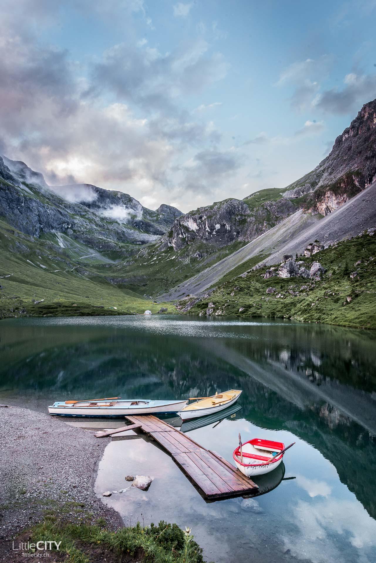 Bergsee Bungalow von LittleCITY.ch auf dem Partnunsee