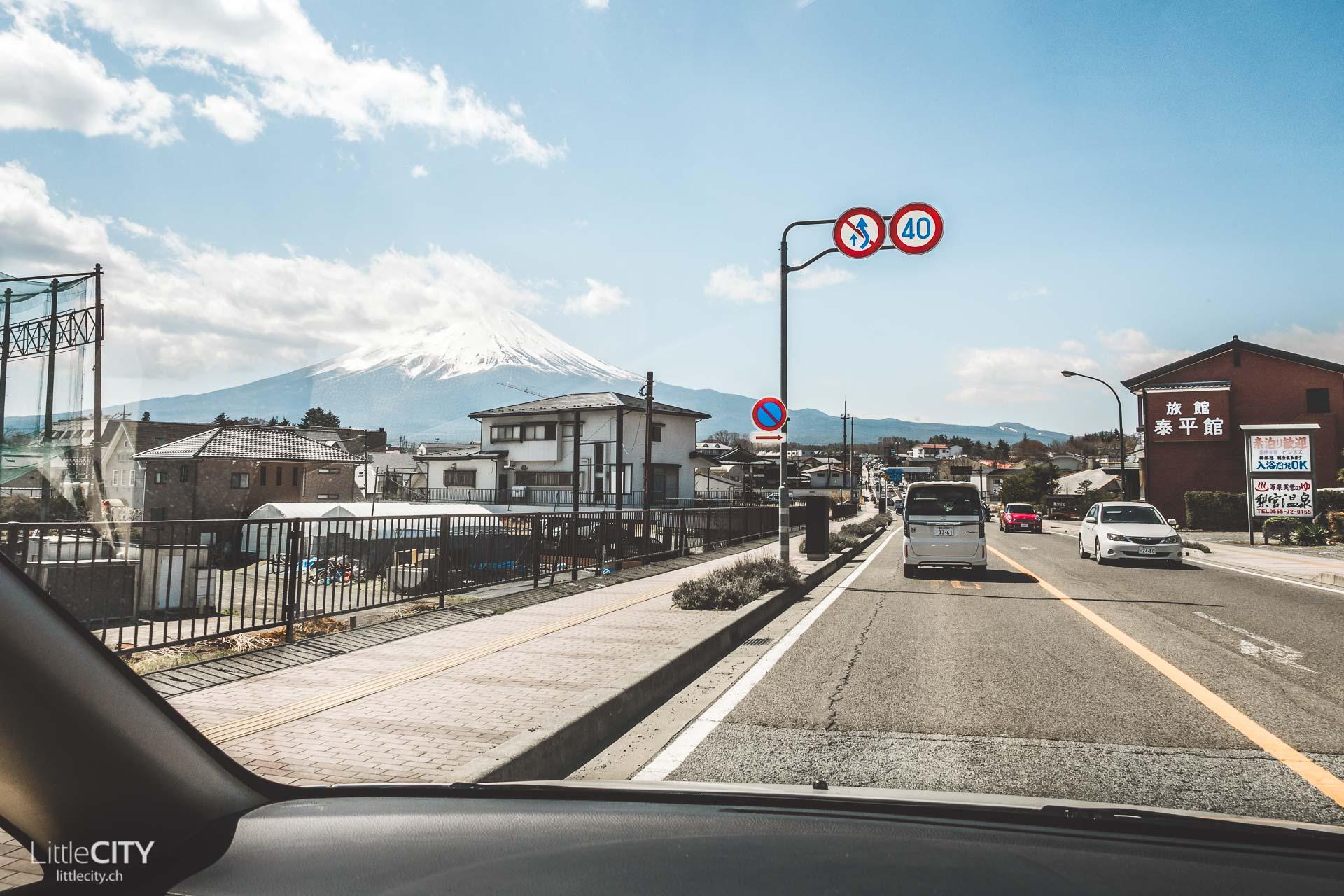 Autofahren in Japan Schilder Kawaguchiko