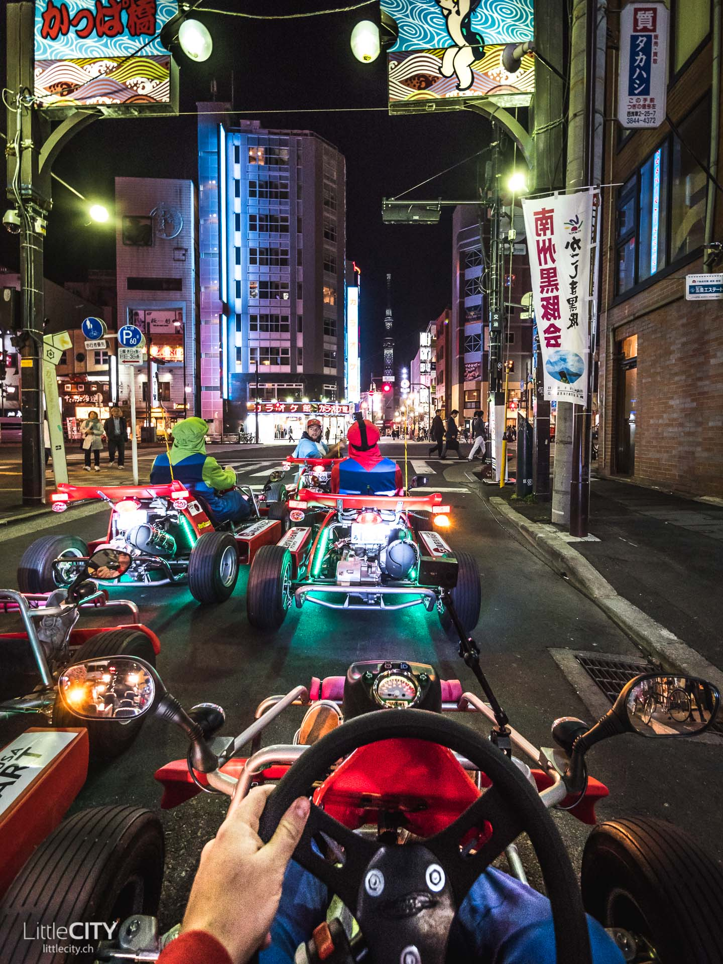 Mario Kart fahren in Tokio