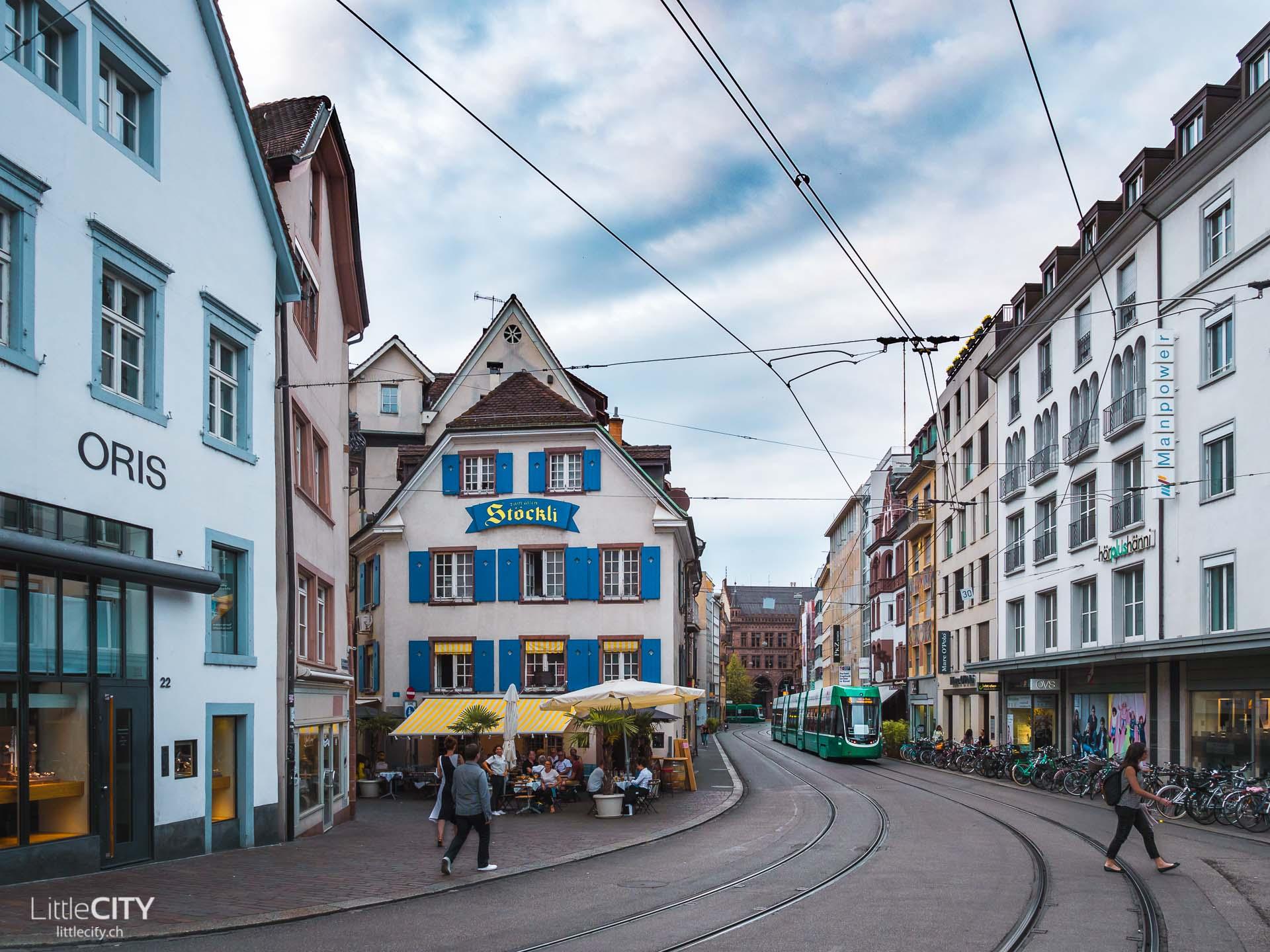 Basel Barfüsser Platz