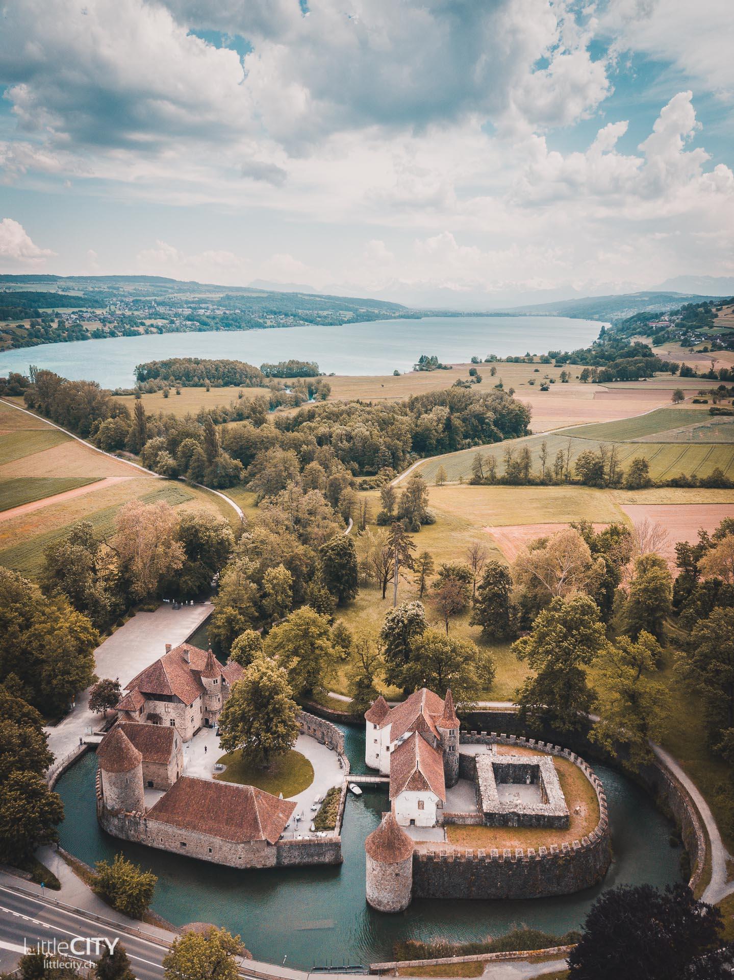 Schloss Hallwyl am Hallwilersee Aargau
