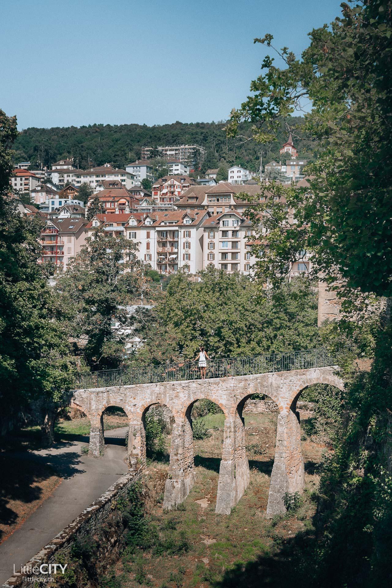 Neuchatel alte Brücke Kollegiatskirche