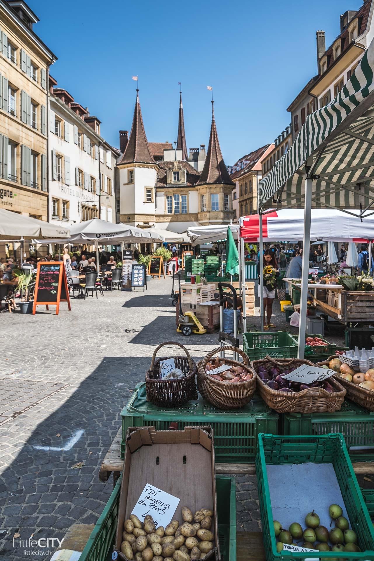 Neuchatel Place des Halles Markt