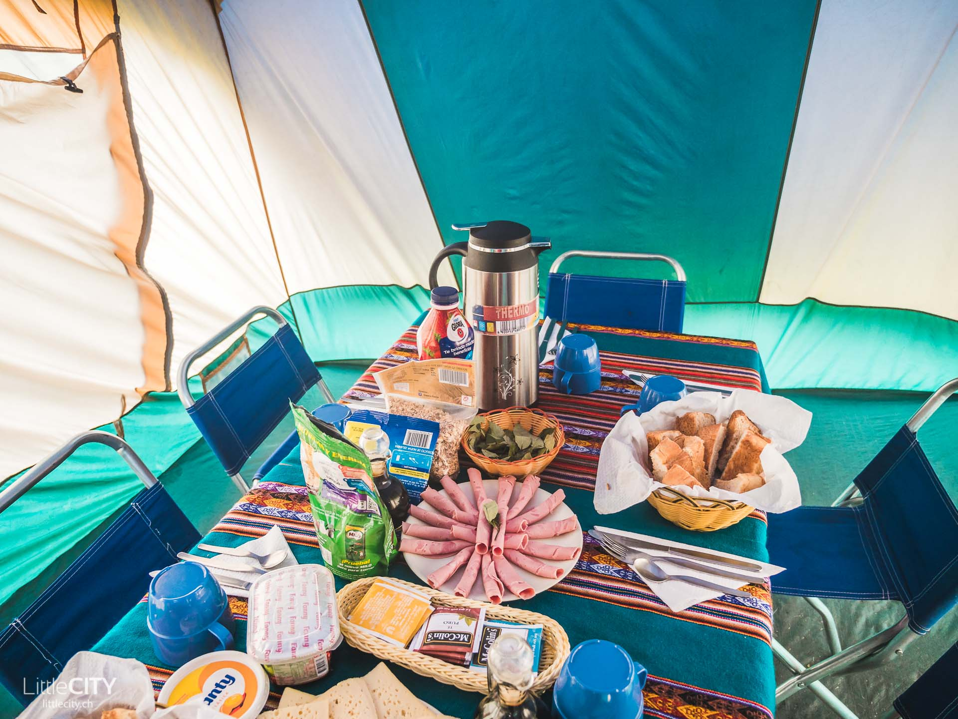Peru Trecking Camp Rondoy Frühstück