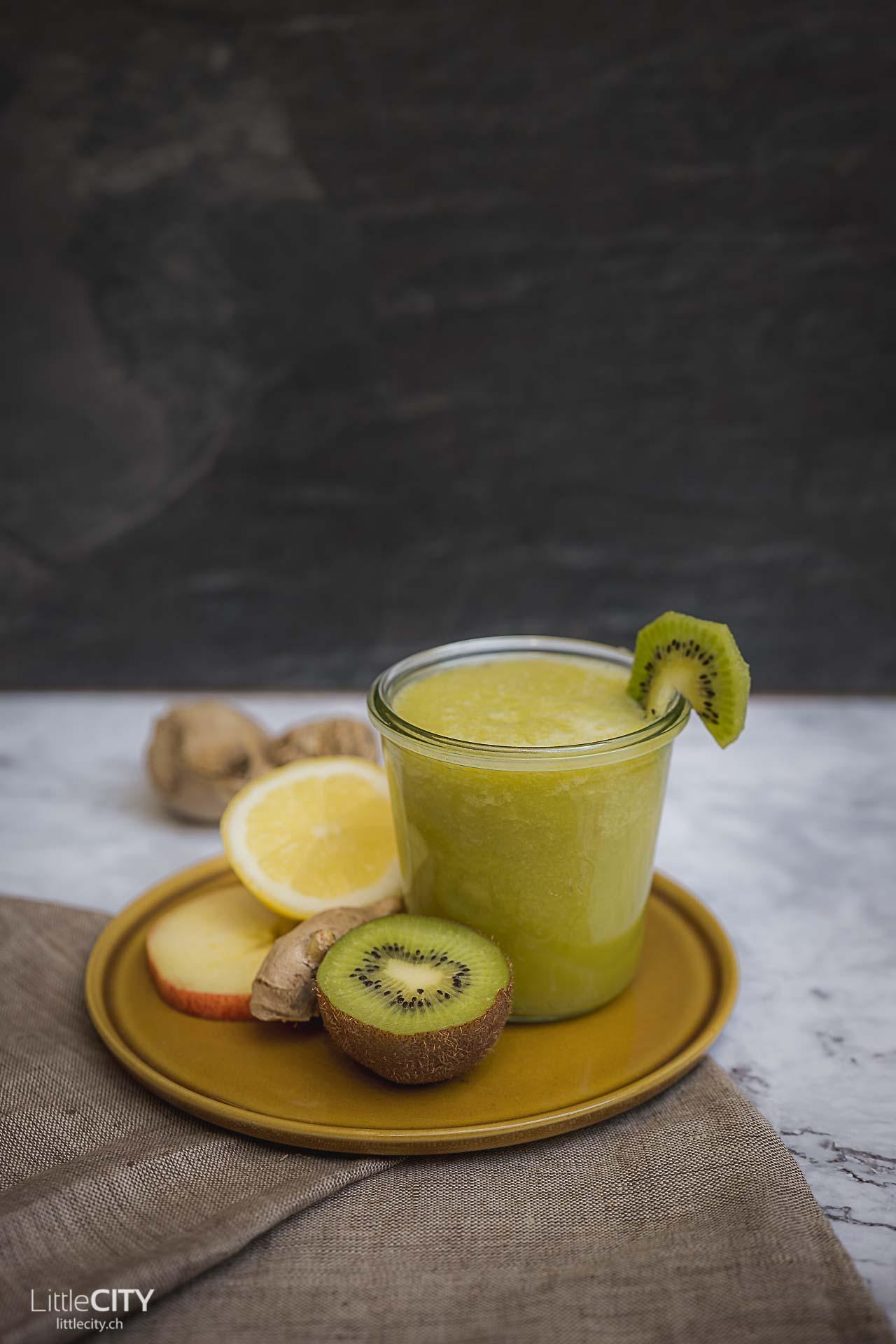 Kiwi Apfel Zitronen Saft Slow Juicer Rezept