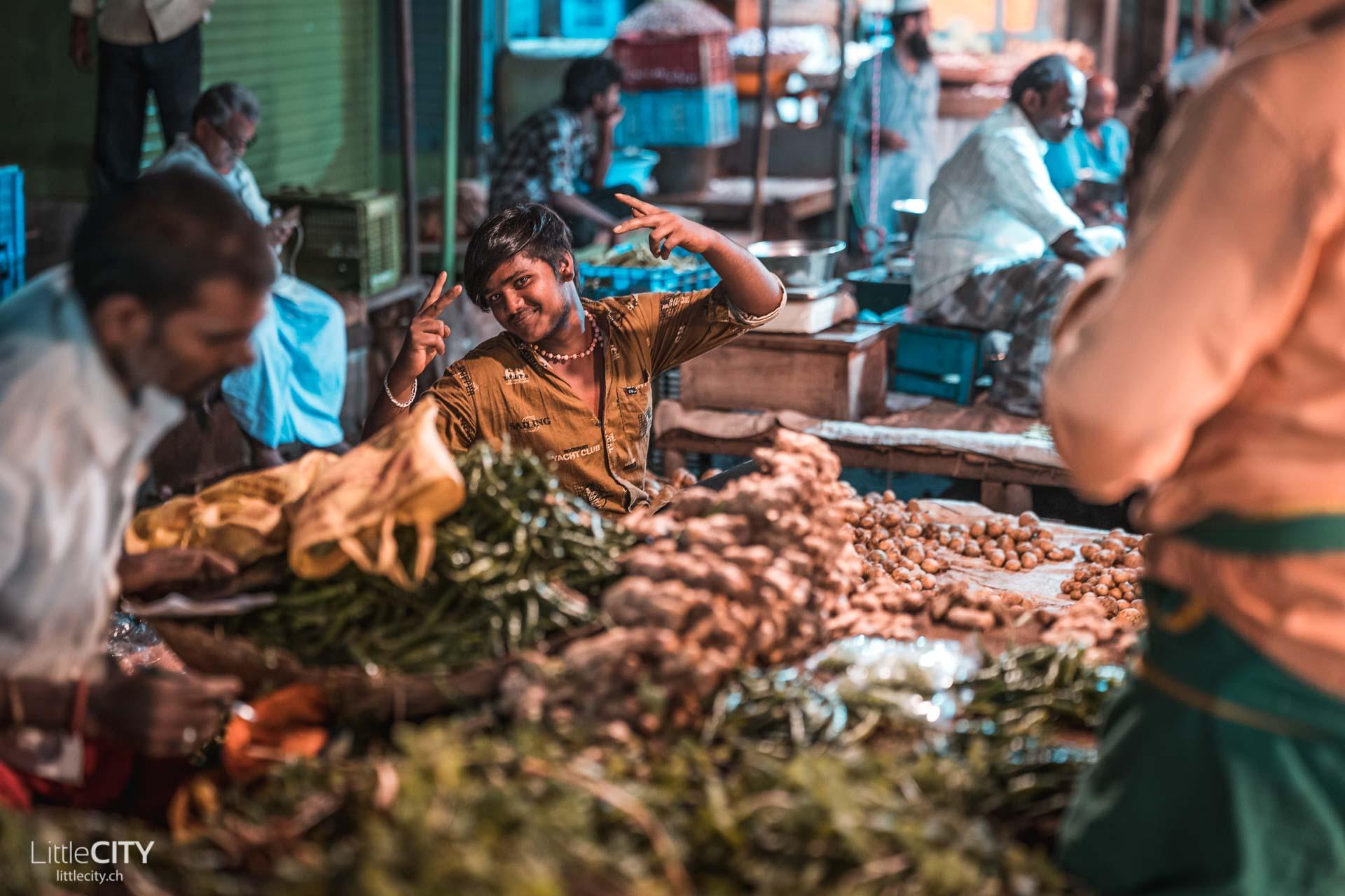 Tiruvannamalai Night Market Indien