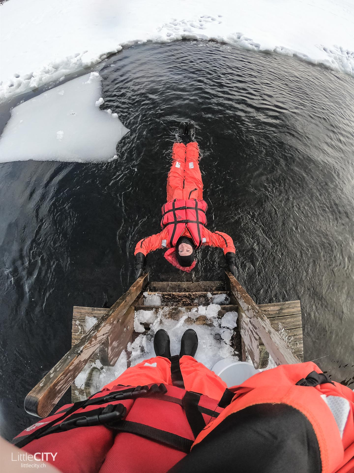 Finnland Winter Aktivitäten Eisbaden