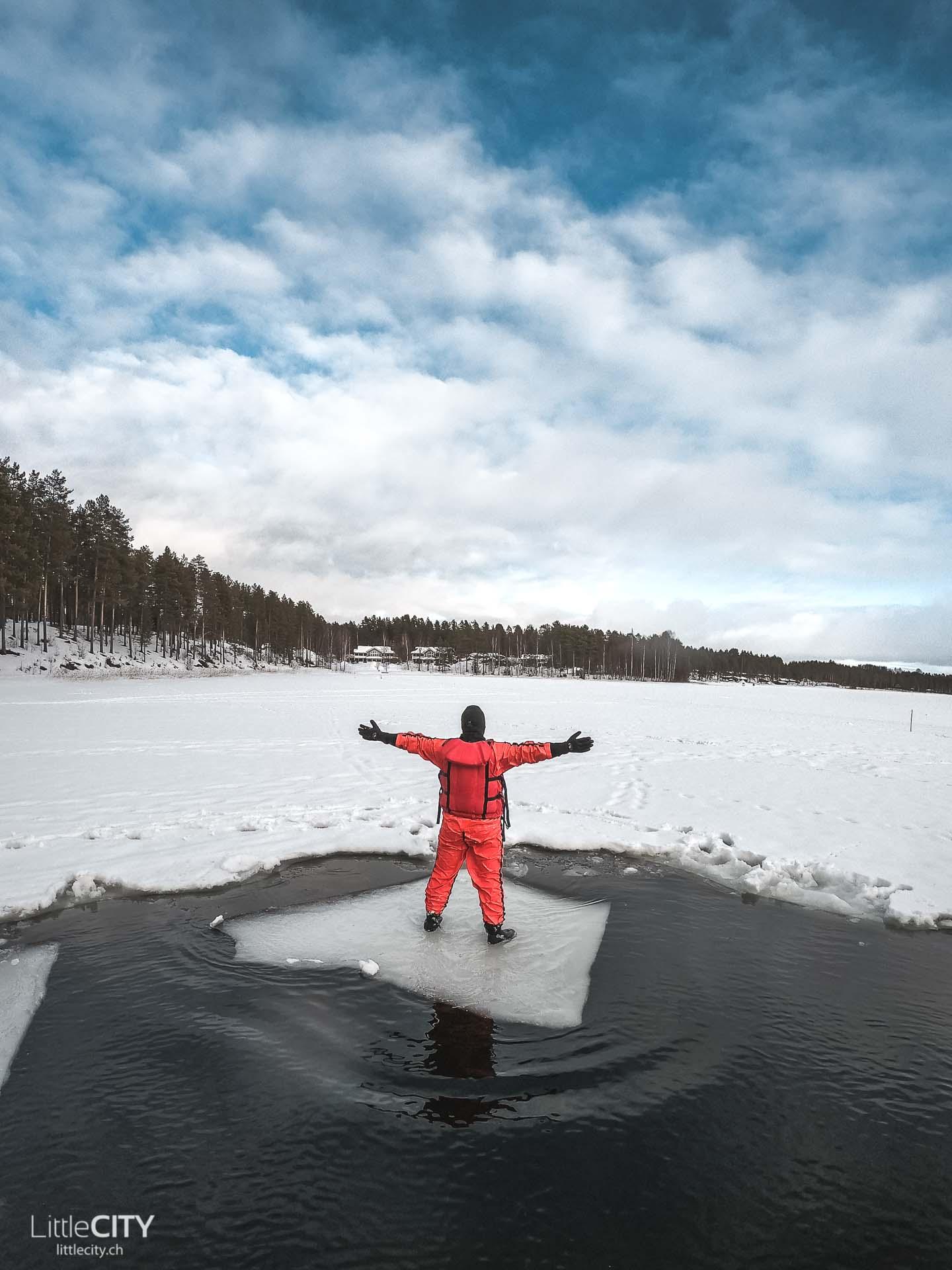 Finnland Eisbaden Vuokatti