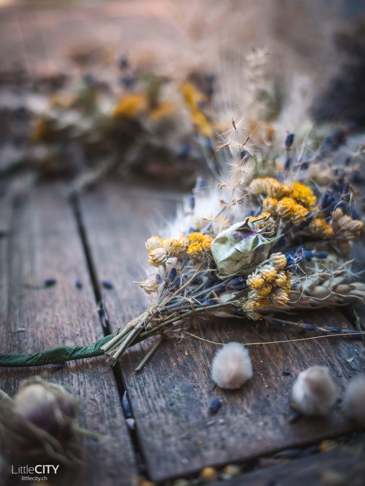 Anleitung Kranz aus Trockenblumen DIY